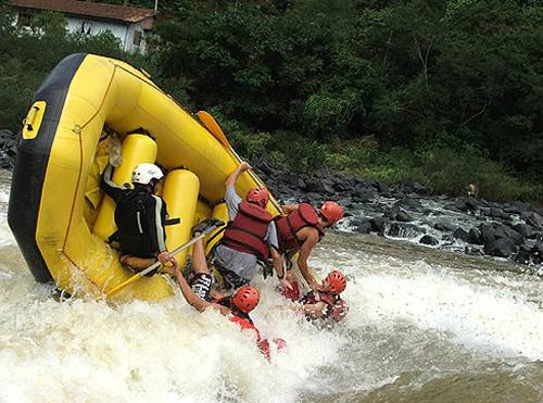 Resultado de imagem para rafting itajai açu